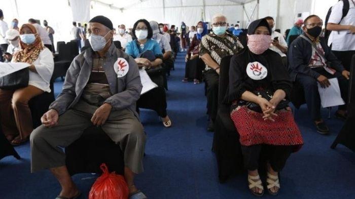 Pensiunan dan Karyawan Garda Terdepan Telkom Ikuti Vaksinasi Covid-19 Bersama BUMN