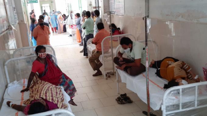 Tempat Tidur Pasien Covid-19 Langka, India 'Sulap' Hotel dan Stadion untuk Kapasitas Ekstra