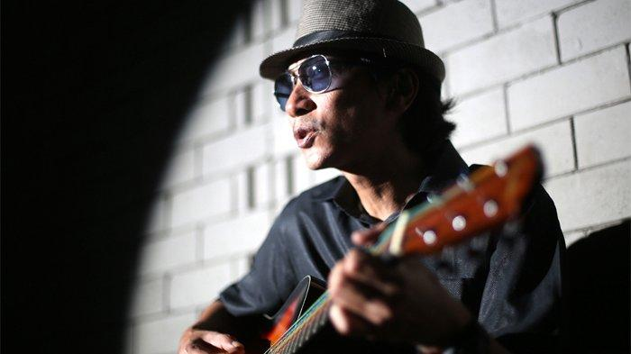 Chord Kunci Gitar Lagu Kau Cantik Hari Ini - Lobow, Lengkap dengan Liriknya: Dan Aku Suka