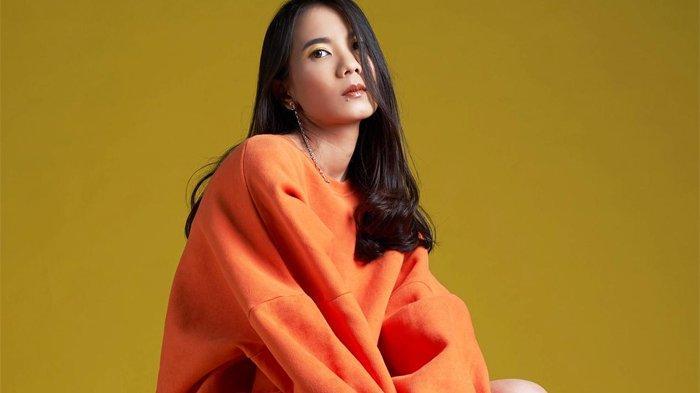Penyanyi muda Nadya Fatira yang baru saja merilis single terbaru berjudul 'Bersaudara'