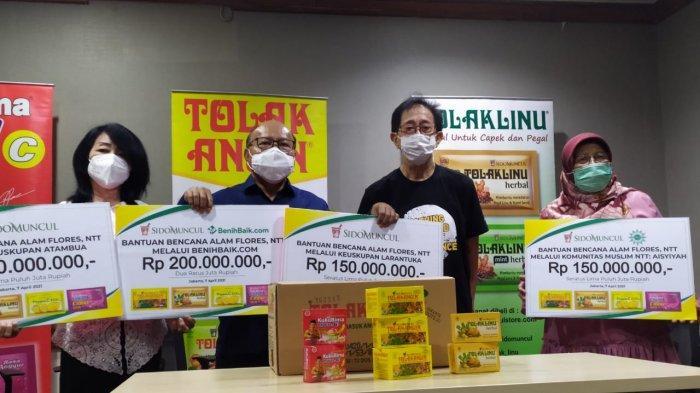 Sido Muncul Salurkan Bantuan Rp 650 Juta untuk Korban Banjir Bandang di Nusa Tenggara Timur