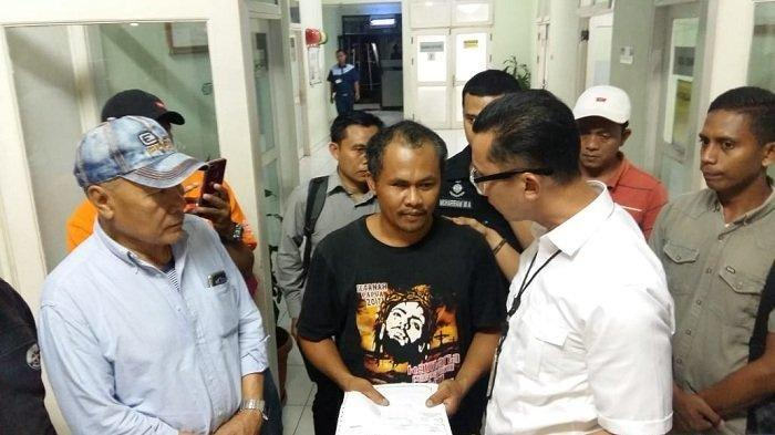 Polisi Buru Sopir Taksi Online yang Diduga Tahu Pembunuhan Pemandu Karaoke di Mampang