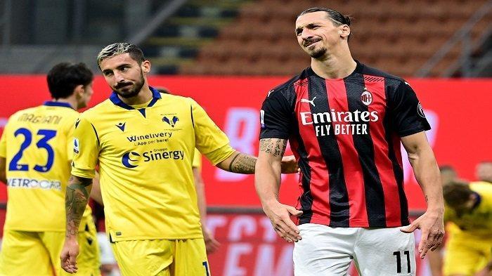 Penyerang Swedia AC Milan Zlatan Ibrahimovic bereaksi selama pertandingan sepak bola Serie A Italia AC Milan vs Hellas Verona di Stadion San Siro di Milan pada 8 November 2020.