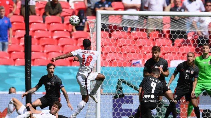 Penyerang Inggris Raheem Sterling beraksi selama pertandingan sepak bola Grup D UEFA EURO 2020 antara Inggris dan Kroasia di Stadion Wembley di London pada 13 Juni 2021. Laurence Griffiths / POOL / AFP