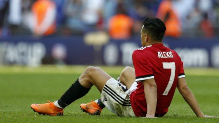 Penyerang Manchester United, Alexis Sanchez, dalam partai final Piala FA kontra Chelsea di Stadion Wembley pada Sabtu (19/5/2018).