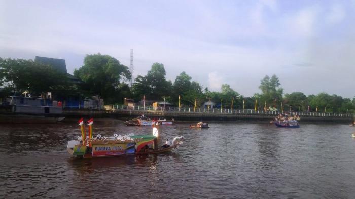 Puluhan Perahu Hias Buka Festival Sungai Siak 2016 di Pekanbaru