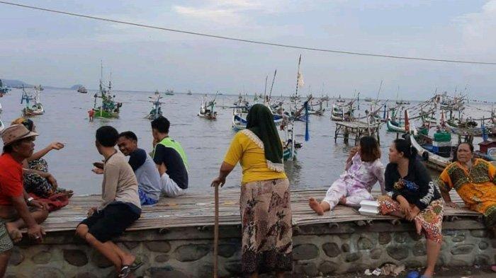 Tangkapan Ikan Melimpah, Perahu Nelayan Situbondo Malah Tenggelam, 12 ABK Berhasil Selamat