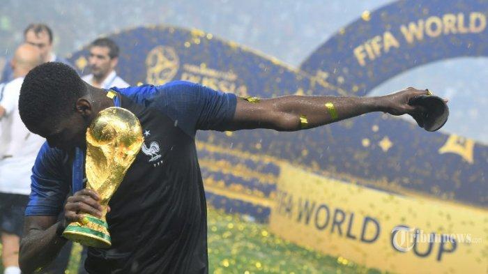 Tiga 'Kegilaan' yang Dilakukan Paul Pogba Saking Senangnya Perancis Jadi Juara Piala Dunia 2018