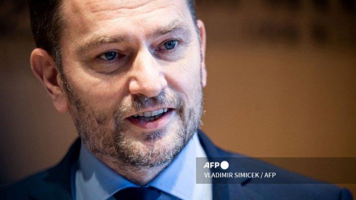Terlibat Skandal Kesepakatan Vaksin Sputnik V Rusia, PM Slovakia Mundur dari Jabatannya