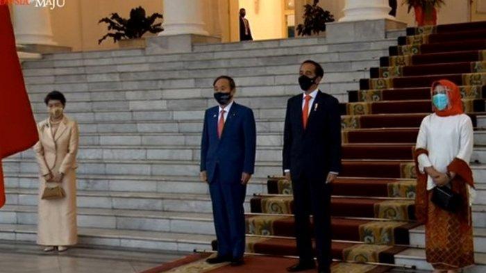 Fakta-fakta PM Jepang Temui Jokowi di Tengah Pandemi, Pakai Masker Batik dan Tak Ada Jabat Tangan