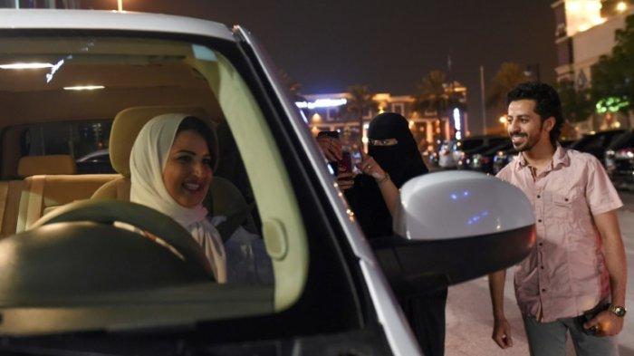 Agar Bisa Mengemudi, Wanita Arab Saudi Gunakan Kontrak Pernikahan