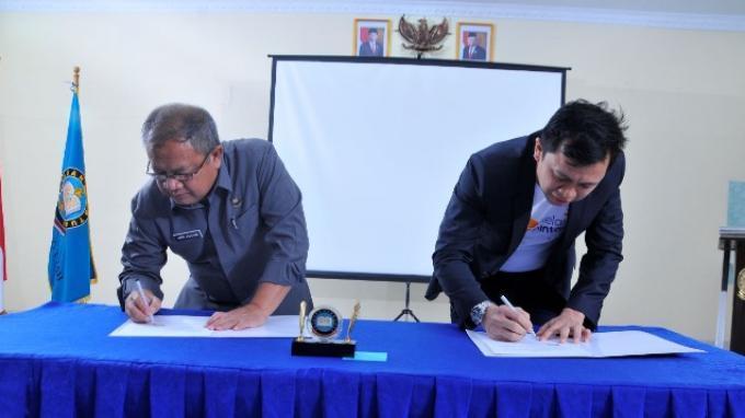 Jalin Kerjasama dengan Yayasan Hang Tuah, Kelas Pintar Hadir di 51 Sekolah