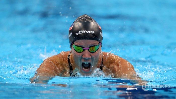 Mallory Weggemann dari AS bertanding dalam final 200m gaya ganti perorangan putri kelas SM7 selama Paralimpiade Tokyo 2020 di Tokyo Aquatics Center di Tokyo pada 27 Agustus 2021. AFP/Behrouz MEHRI