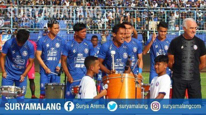 Perkenalan skuat Arema FC.