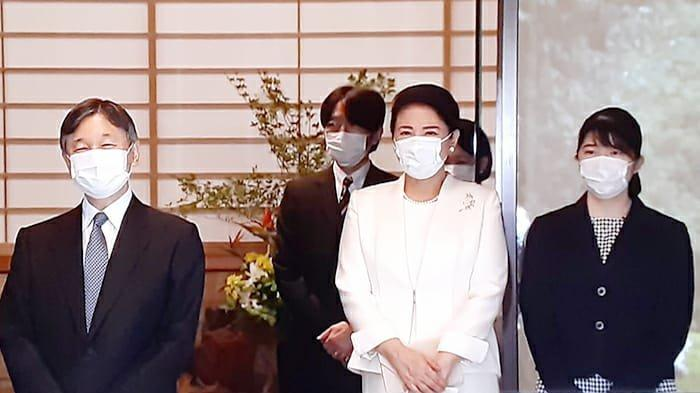Kaisar Jepang Pindahan Kembali ke Kaisaran Setelah Bangunan Dipercantik