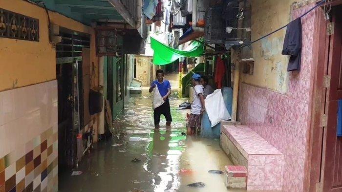 Warga Kebon Pala Kembali Kebanjiran, Padahal Baru Bersih-bersih Rumah