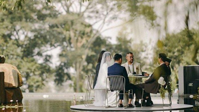 Suasana pernikahan Tara Basro dan Daniel Adnan yang diunggahnya di instagram @tarabasro.