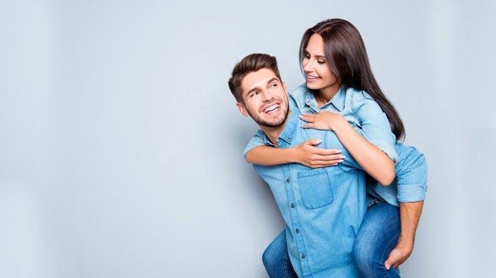Jaga hubungan dengan pasangan untuk meningkatkan kualitas bercinta.