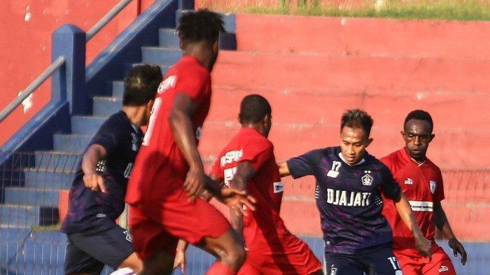 Pertandingan Uji Coba Persita Tangerang vs Persipura Jayapura Dihentikan Akibat Ricuh Antar Pemain