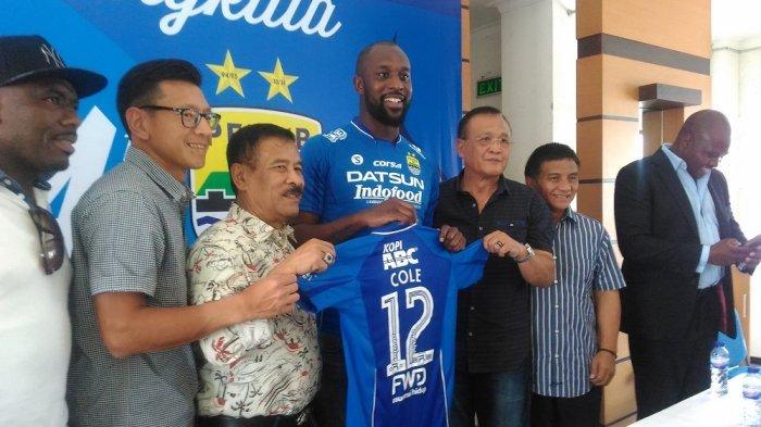 Persib Bandung Kontrak Carlton Cole Setahun