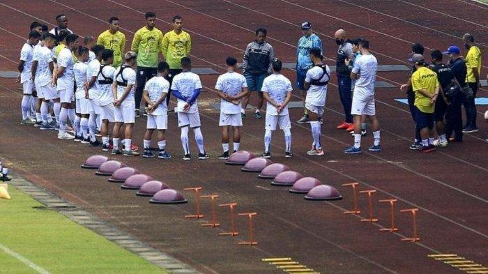 Persib Bandung dengarkan arahan pelatih