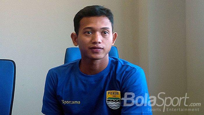 Muchlis Hadi Ning Syaifulloh saat dikenalkan manajemen Persib Bandung di Graha Persib, Jalan Sulanjana, Kota Bandung, Jawa Barat, Jumat (2/2/2018).