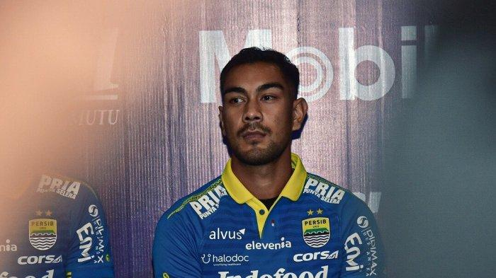 Persib Bandung resmi memperpanjang kontrak gelandang andalannya, Omid Nazari