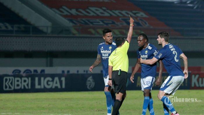 Buntut Persib Bandung Raih 1 Poin, Robert Alberts Soroti Keputusan Wasit dan Mandulnya Wander Luiz