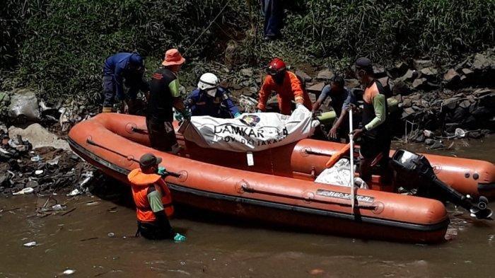 Mayat Perempuan Berdaster Ditemukan Mengambang di Kali Ciliwung Jakarta Selatan