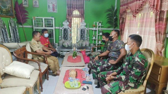 Prajurit Yonkav 12/BC Rencanakan Kegiatan Penyemprotan Disinfektan Bersama Warga