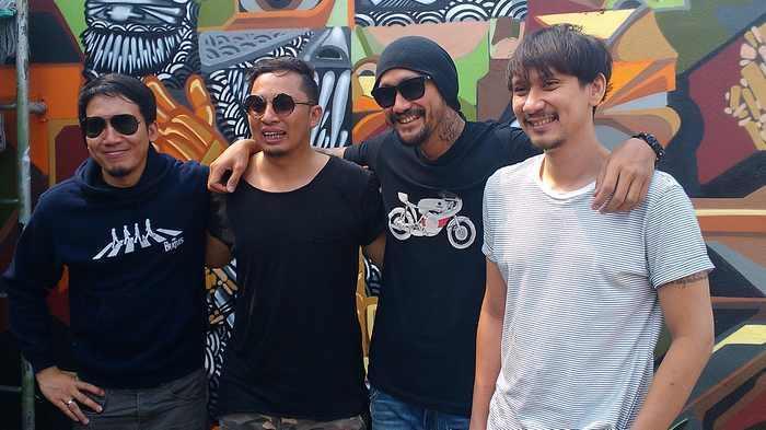 Personil The Cash, Ringgo Agus Rahman (Vokal), Desta (Drum), Tora Sudiro (Gitar), dan Vincent (Bass), ketika ditemui di sela latihan di Studio Rossi, Fatmawati, Jakarta Selatan, Senin (14/9/2015).