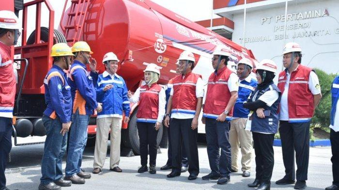 Kunjungi TBBM Plumpang, Menteri ESDM: Pertamina Siap Salurkan BBM & LPG Untuk Naru
