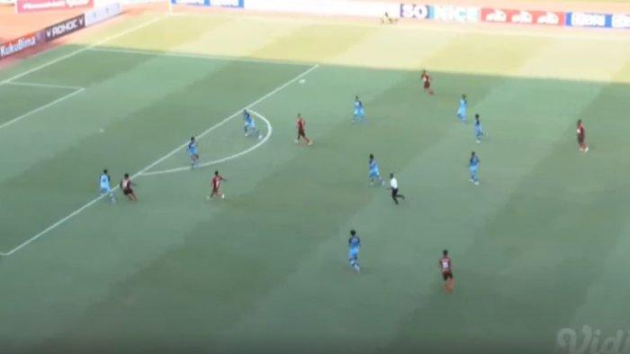 Pertandingan pekan kedua BRI Liga 1 2021 antara Persela vs Persipura berlangsung di Stadion Wibawa Mukti, Jumat (10/9/2021).