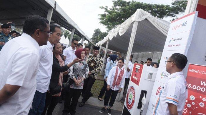 Blusukan ke Garut, Presiden Joko Widodo Tinjau Display Pertashop Masuk Desa