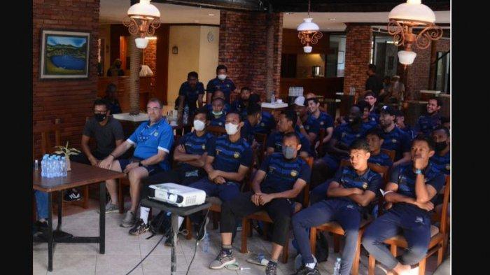 Persib Pasang Target Juara BRI Liga 1 2021, Umuh Muchtar Ingatkan Maung Bandung Tak Boleh Takabur