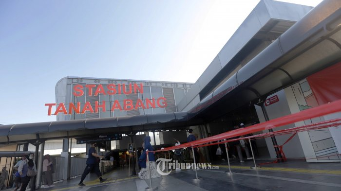 Surge Targetkan Seluruh Stasiun KRL Jabodetabek Terknokesi Internet Lewat Jaringan Fiber