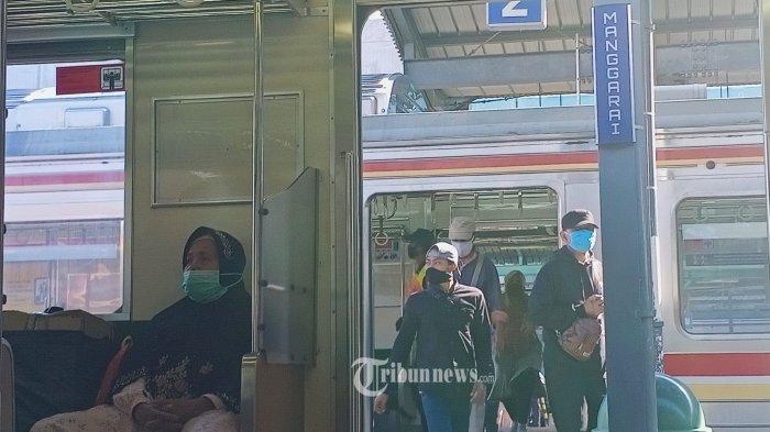 KCI Mengajak Penumpang KRL Agar Tetap Menerapkan Protokol 3M di Lingkungan Stasiun dan Kereta