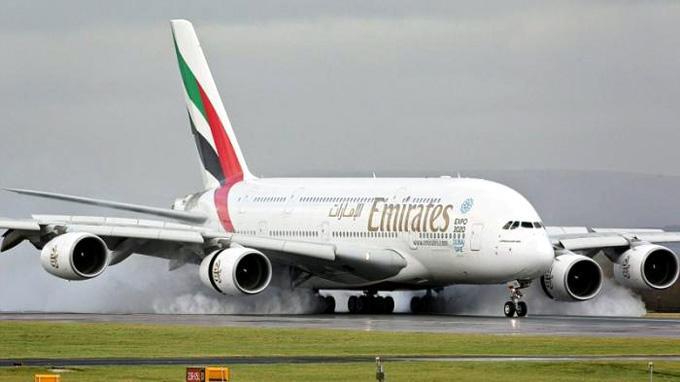Emirates Hadirkan Teknologi Nirsentuh di Bandara untuk Calon Penumpangnya