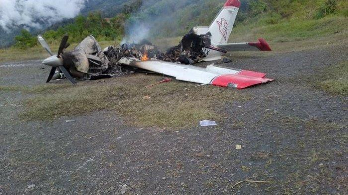 Pesawat MAF dibakar Kelompok Kriminal Bersenjata di Intan Jaya, Papua. (Istimewa/ Tribunnews.com)