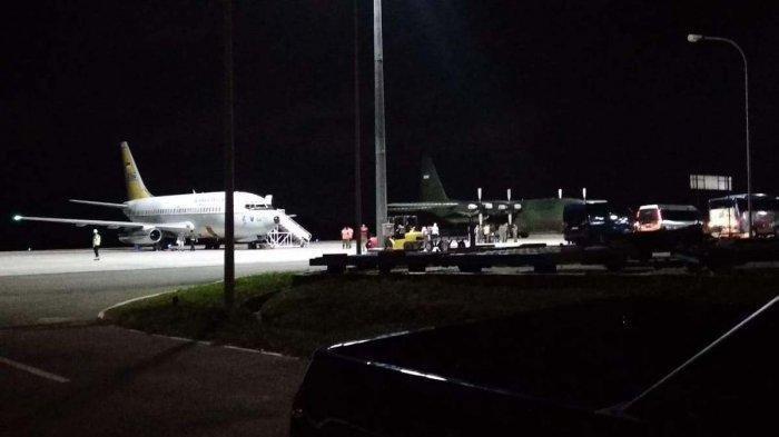 Pesawat Milik TNI AU yang direncanakan akan mengangkut WNI yang dievakuasi Pemerintah Indonesia dari China telah tiba di Bandara Udara Hang Nadim Batam.
