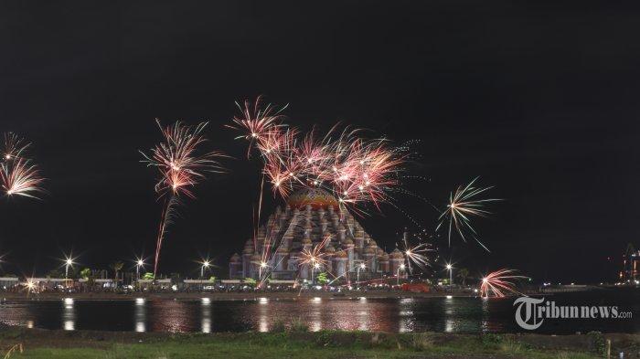 Mengapa Perayaan Tahun Baru di Berbagai Negara Identik dengan Pesta Kembang Api?