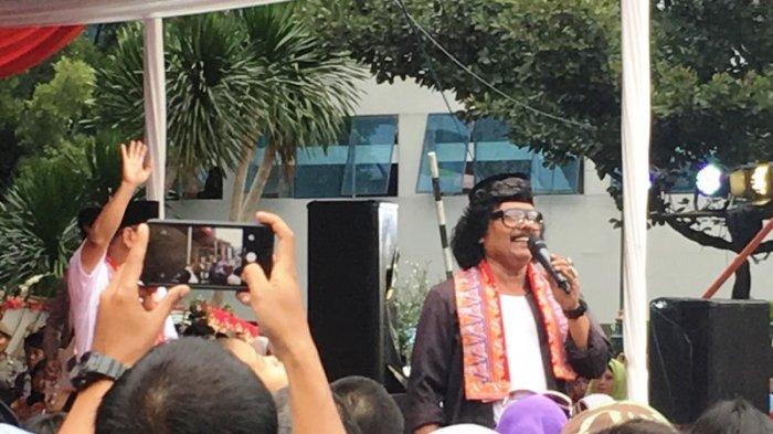 Meriahkan Balai Kota DKI, Putra Benyamin Sueb Nyanyi Lagu