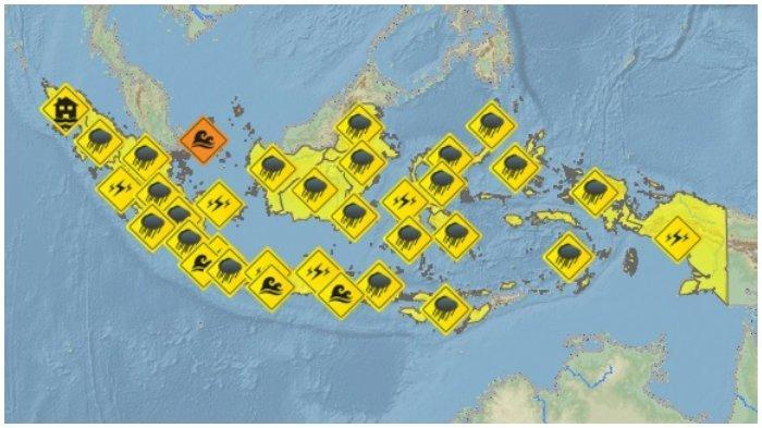 BMKG Peringatan Dini Besok Selasa 17 Agustus 2021, Kalimantan Berpotensi Hujan Lebat Disertai Petir