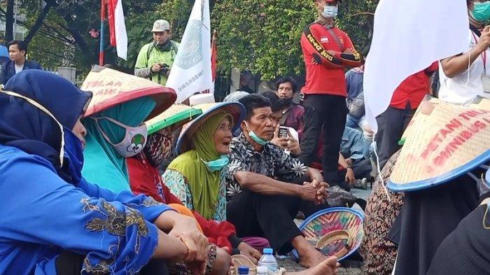 Petani Gabung Mahasiswa dan Buruh Demo di Patung Proklamasi, Curhat Ini Untuk Jokowi