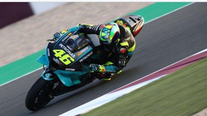 Aksi pebalap Petronas Yamaha, Valentino Rossi pada tes pramusim MotoGP 2021, Qatar (6/3/2021).