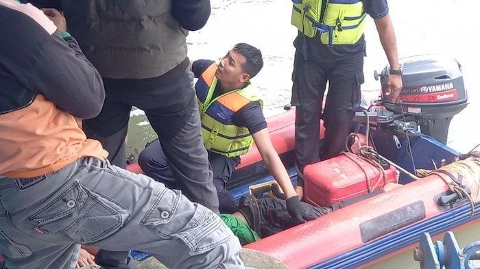 petugas badan air tenggelam
