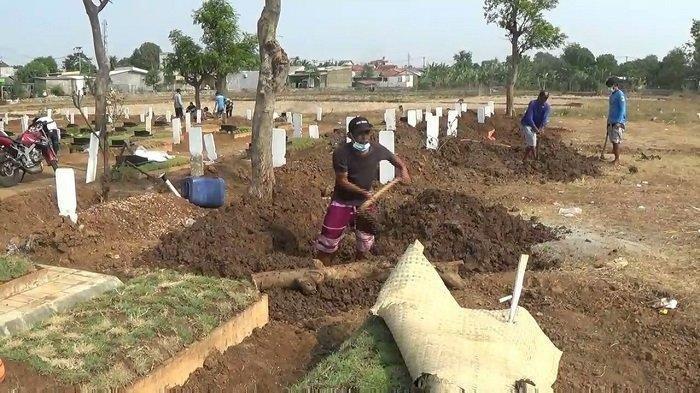 Terus Bertambah, Jenazah Korban Covid-19 yang Dimakamkan di TPU Mangunjaya Tambun Bekasi