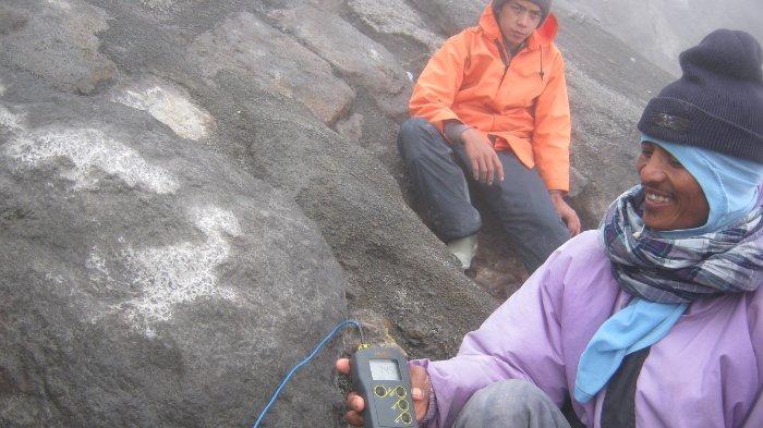 Saat Gunung Merapi 'Ngamuk', Heru Lewati 100 Anak Tangga dan Bunyikan Sirine Sembari Bertakbir