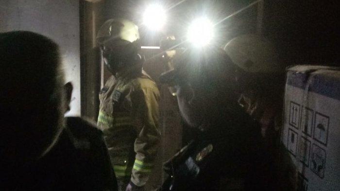 Dipicu Puntung Rokok, Satu Unit Kios di Blok F Pasar Minggu Hangus Terbakar