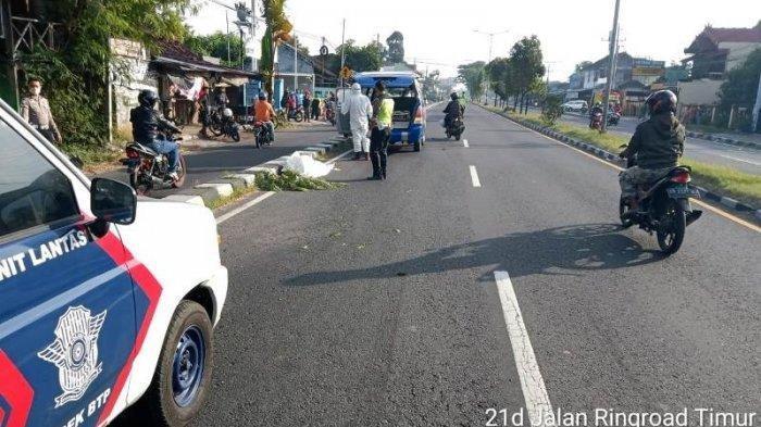 Pesepeda di Bantul Tewas Tertabrak Daihatsu Xenia saat Hendak Putar Balik, Sampai Terpental 10 Meter